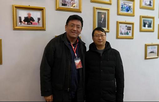 深圳慧康总经理与册亨县人民医院曾庆辉院长